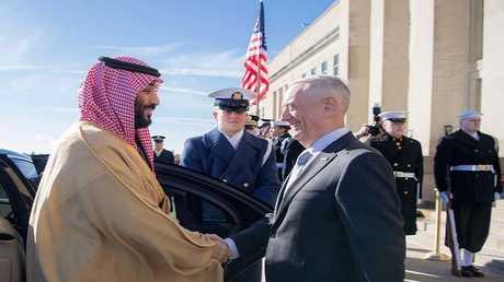 وزير الدفاع الأمريكي جيمس ماتيس وولي العهد السعودي محمد بن سلمان (صورة أرشيفية)