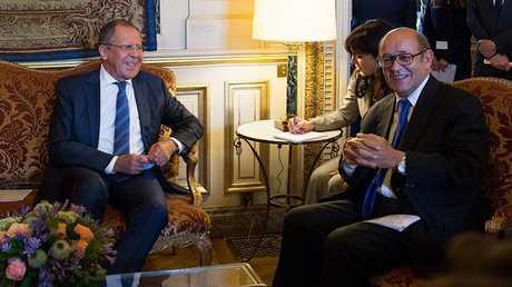 وزيرا الجارجية الروسي سيرغي لافروف والفرنسي جان إيف لودريان (صورة أرشيفية)