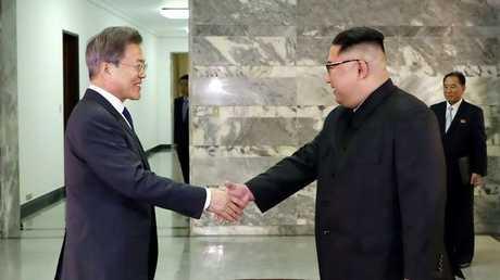 رئيس كوريا الجنوبية مون جيه إن ونظيره الشمالي كيم جونغ أون