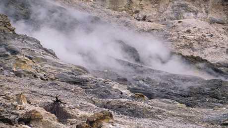 إحدى فوهات بركان