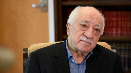 رجل الدين التركي المعارض، فتح الله غولن