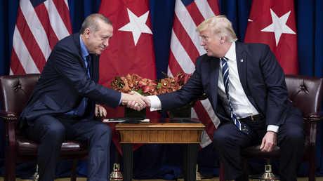الرئيس الأمريكي، دونالد ترامب، والرئيس التركي، رجب طيب أردوغان، خلال لقائهما في نيويورك يوم 21 سبتمبر 2017