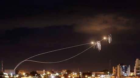 اعتراض صواريخ أطلقت من غزة على مدينة عسقلان، إسرائيل 27 أكتوبر 2018