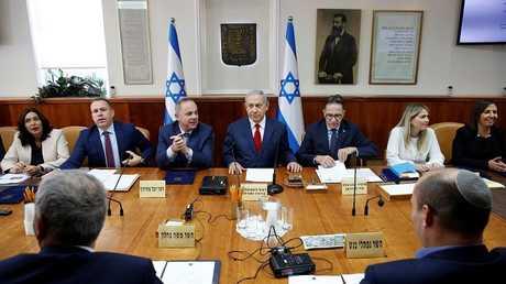 مجلس الوزراء الإسرائيلي يوافق على خفض ميزانية جميع الوزارات لزيادة رواتب موظفي الأمن