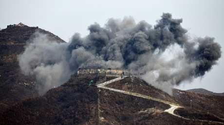 كوريا الشمالية تفجر 10 مواقع حدودية في المنطقة منزوعة السلاح