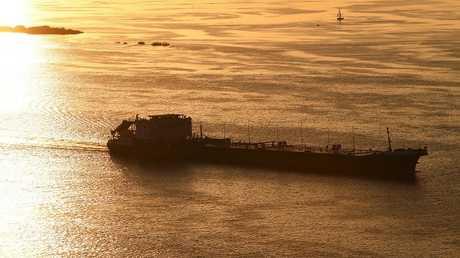 غرق بارجة حبوب في مياه القرم الروسية ونجاة طاقمها