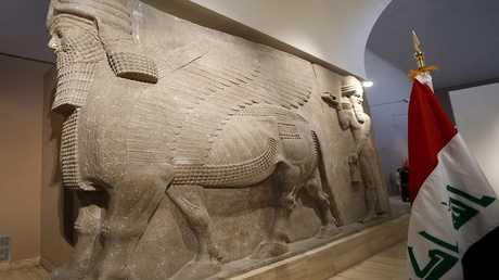 تمثال الثور المجنح في المتحف العراقي ببغداد - أرشيف