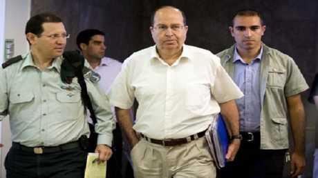 وزير الدفاع الإسرائيلي الأسبق موشيه يعالون (صورة أرشيفية)