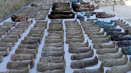 تماثيل ونوواويس مصرية عثر عليها قريبا