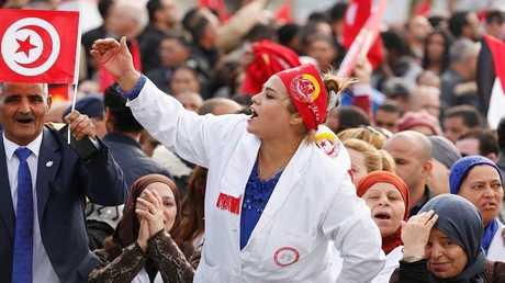 الاحتجاجات في تونس ضد رفض الحكومة رفع الأجور