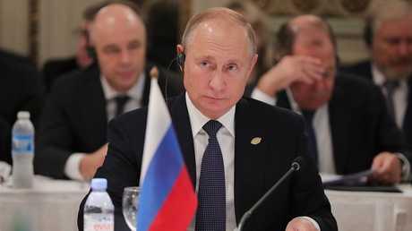 الرئيس الروسي فلاديمير بوتين أثناء لقاء رؤساء مجموعة