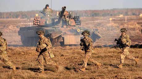 عسكريون أمريكيون وبولنديون خلال تدريبات