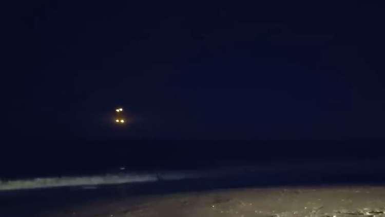 صحون طائرة تسقط في مصيدة الكاميرا!