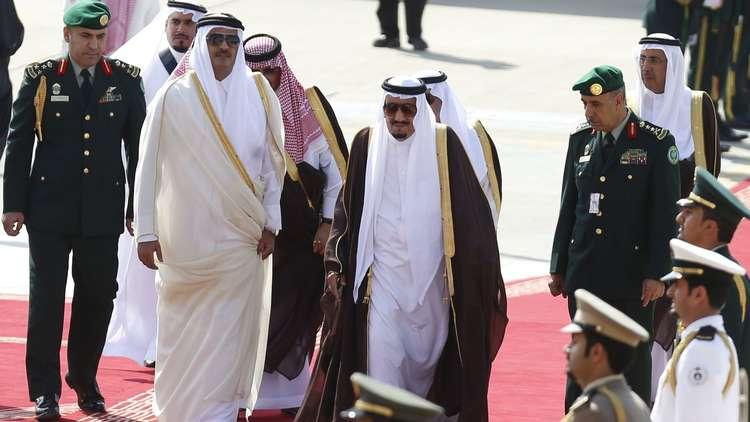 العاهل السعودي يدعو أمير قطر لحضور قمة مجلس التعاون الخليجي في الرياض