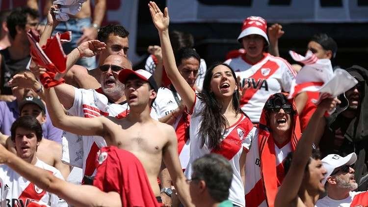 لاعبو الريفر والبوكا يحطون الرحال في مدريد تحضيرا لنهائي الليبرتادوريس