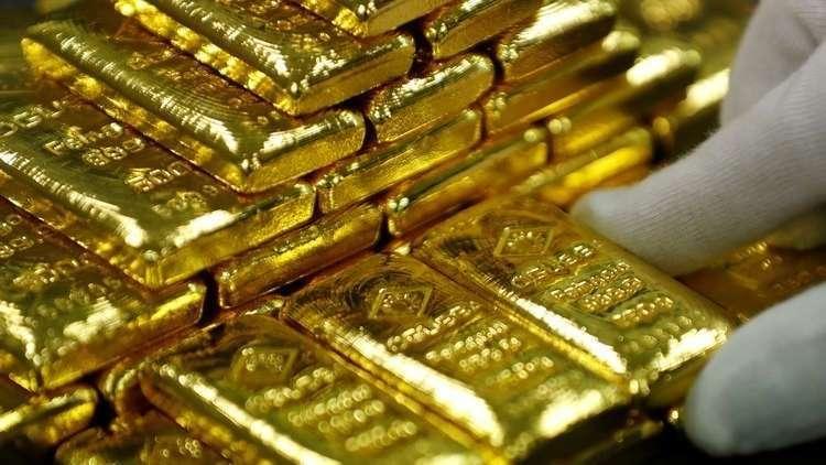 ارتفاع الذهب وهبوط الدولار في ظل ترقب قرار الاحتياط الأمريكي