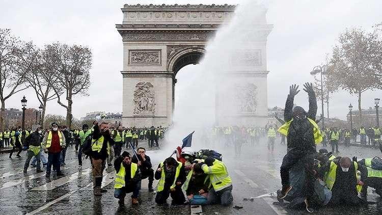 احتجاجات باريس بداية انتفاضة شاملة ضد الأغنياء المتخمين