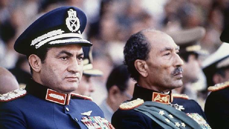 السادات مع خلفه حسني مبارك