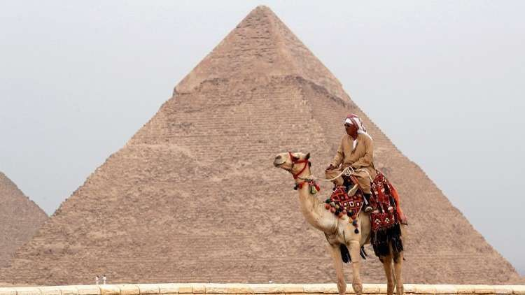 The Egyptian government issues a clarification regarding the news of selling the tourist pyramids area to an Arab country