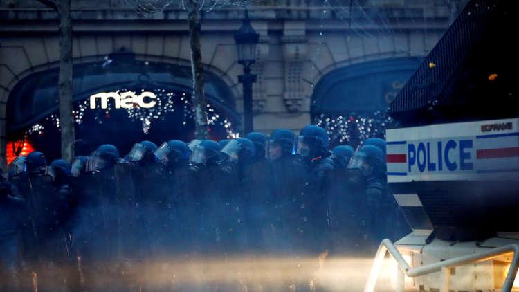 باريس: 8 قتلى منذ بداية احتجاجات