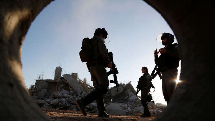 شاهد.. شجار عنيف بين جنود إسرائيليين