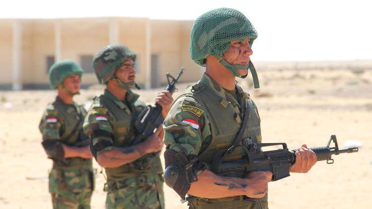 الجيش الثالث المصري يطلق تمرين جنود