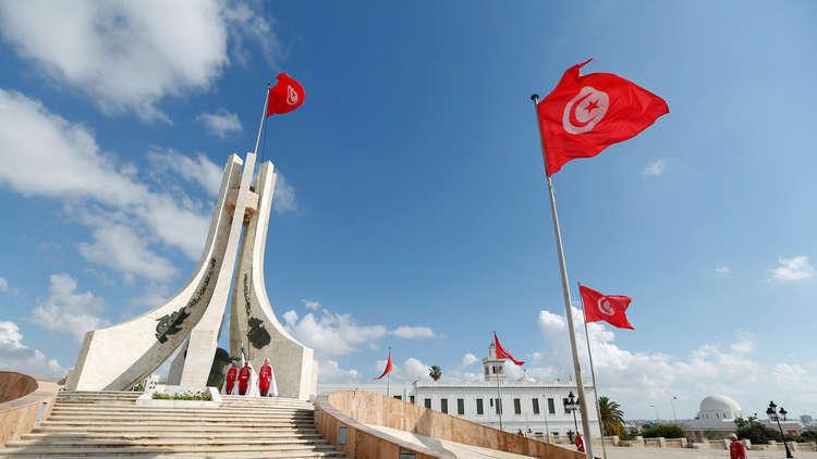 ضجة في تونس بعد لقاء مُنسّق حملة