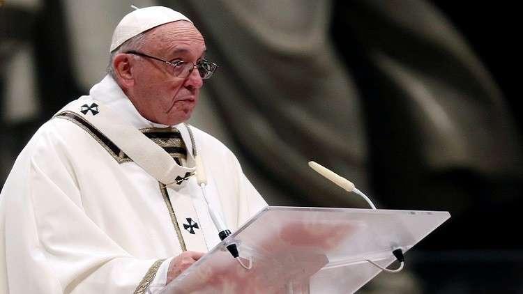 البابا يدعو في ليلة عيد الميلاد لمزيد من العطاء ونبذ المادّية