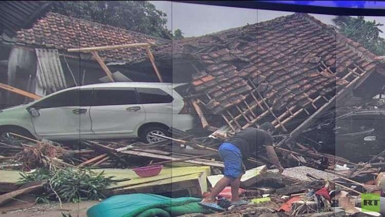 مصرع 373 شخصا بتسونامي إندونيسيا