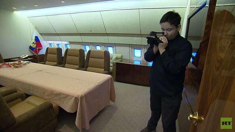 بوتين يحقق حلم فتى ويسمح له بتصوير أكثر الطائرات سرية في روسيا