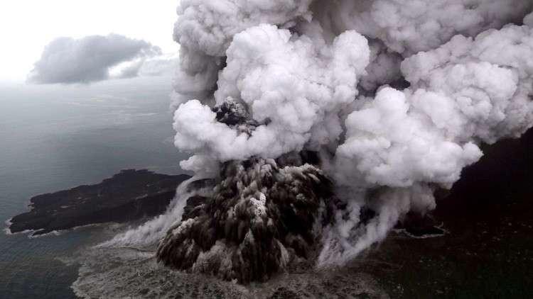 إندونيسيا ترفع حالة التأهب خوفا من تكرار كارثة تسونامي المدمرة!