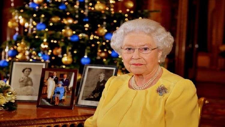 سبب محزن يدفع الملكة لإبقاء زينة عيد الميلاد كل عام حتى فبراير!