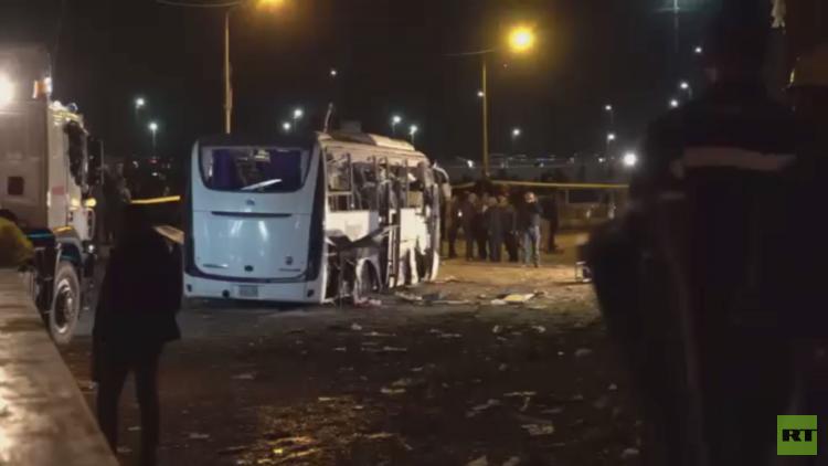 قتلى وجرحى في تفجير حافلة سياح بالجيزة
