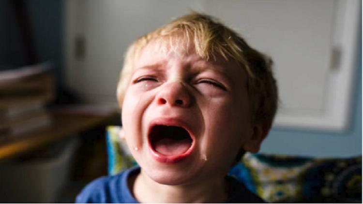 لماذا يكون الأطفال عدوانيين حتى سن الرابعة؟