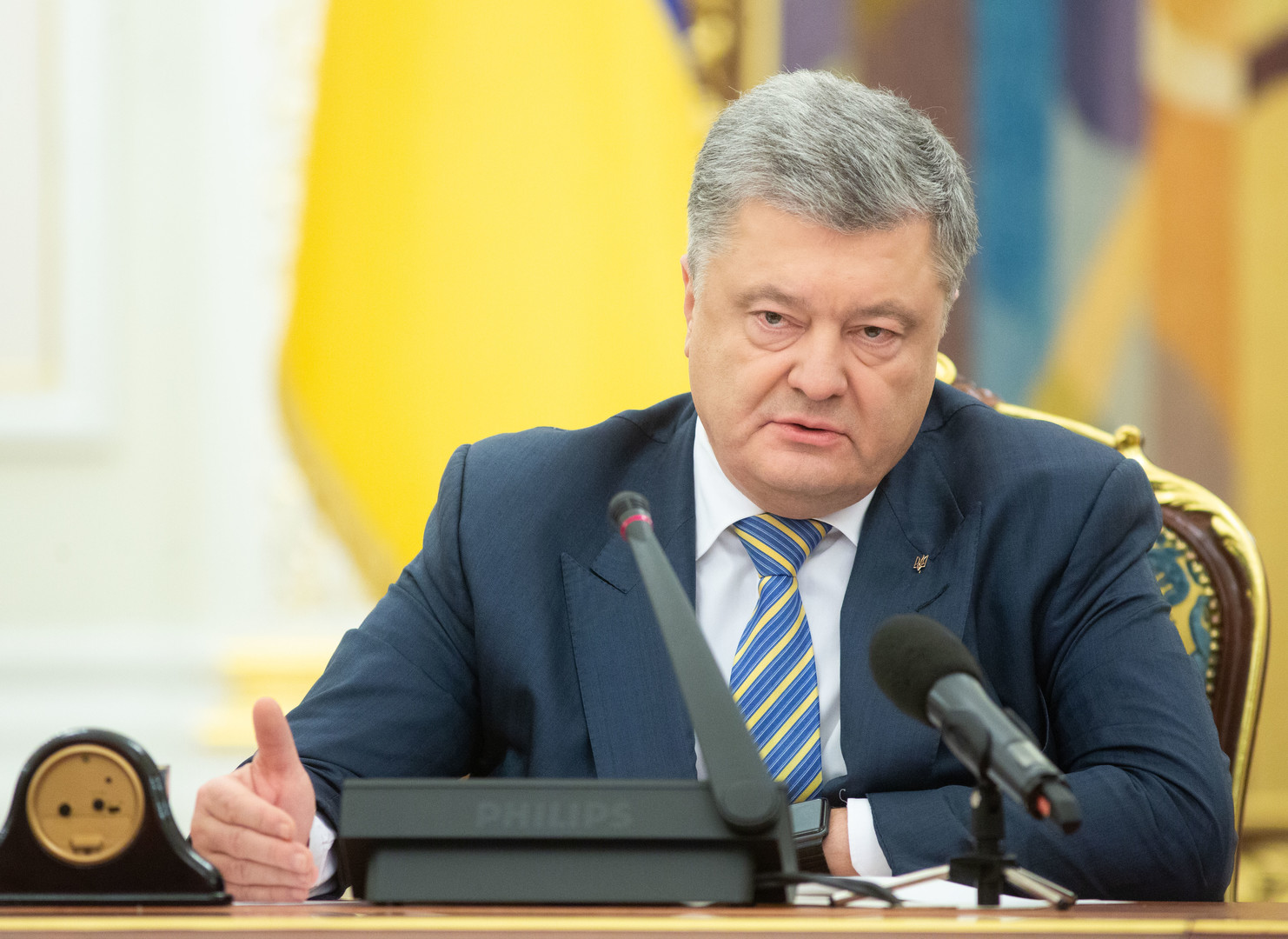 رئيس أوكرانيا يعترف: لم أتحدث بالأوكرانية قط قبل عام 1997!