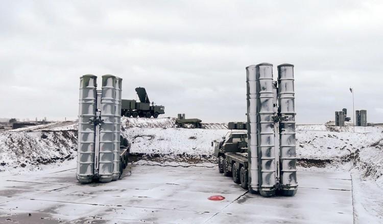 """الكرملين: عقد بيع منظومة """"إس-400"""" الروسية لتركيا في مرحلة التنفيذ الآن وسوف يستمر"""