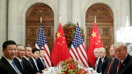 هدنة صينية أمريكية: تجميد الرسوم والضرائب مقابل شراء بكين المزيد من بضائع العم سام