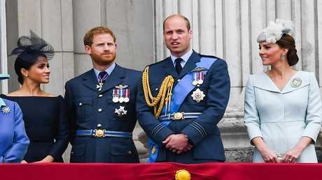 ملكة بريطانيا تتدخل لإنهاء