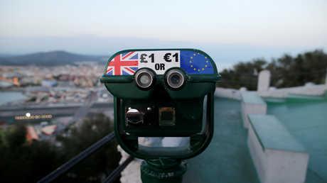 صحيفة: الاتحاد الأوروبي يخطط لتعزيز اليورو للحد من هيمنة الدولار