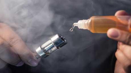 أربعة مخاطر للسجائر الإلكترونية