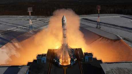صاروخ منطلق من قاعدة بايكونور