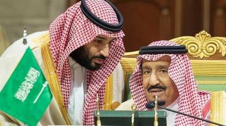 محمد بن سلمان يتحدث مع الملك سلمان بن عبد العزيز، 9 ديسمبر 2018