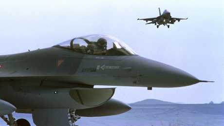 طائرات F16 الحربية