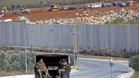 دورية للجيش اللبناني عند الحود فيما يبحث الجيش الإسرائيلي