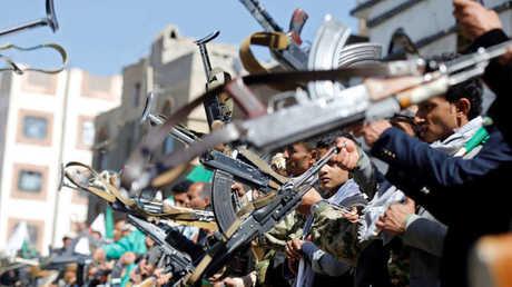 عناصر من قوات الحوثيين