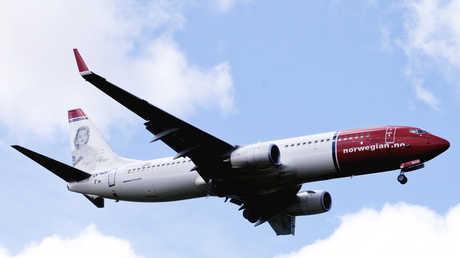 """طائرة ركاب من طراز """"بوينغ-737"""" تابعة لشركة الخطوط الجوية النرويجية"""