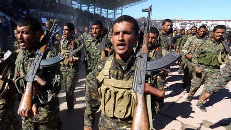 """عناصر من """"قوات سوريا الديمقراطية"""""""
