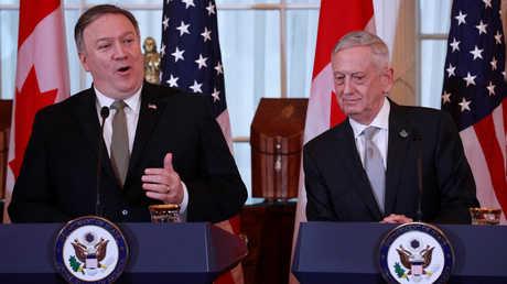 وزير الدفاع الأمريكي، جيمس ماتيس، ووزير الخارجية الأمريكي، مايك بومبيو