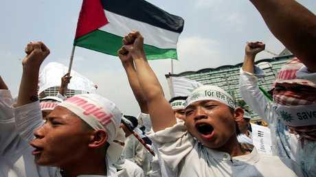 مظاهرة في اندونيسيا ضد جرائم إسرائيل بحق الشعب الفلسطيني