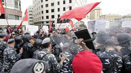 متظاهرون لبنانيون في العاصمة بيروت، 16 ديسمبر 2018